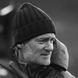 Craig Leeson Headshot